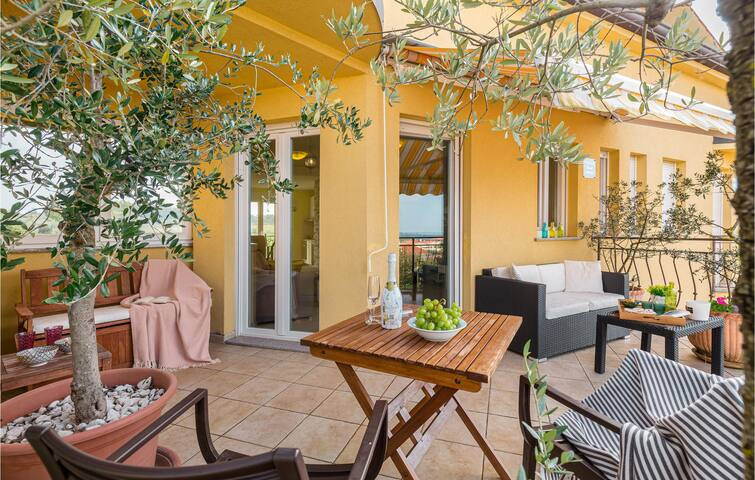 Holiday apartment with 2 bedrooms on 70m² in Porec