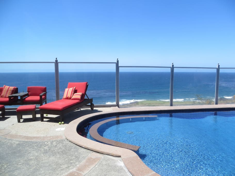 Back Yard Pool looks out over Golf Course & Ocean