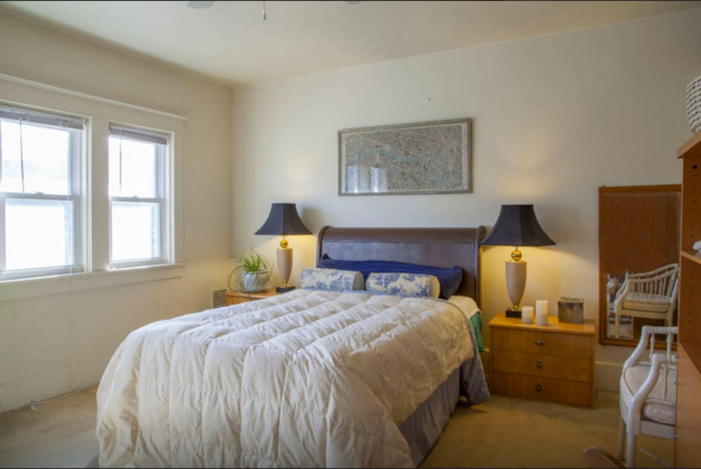 Master bedroom in charming townhouse townhouses for rent for Master down townhomes