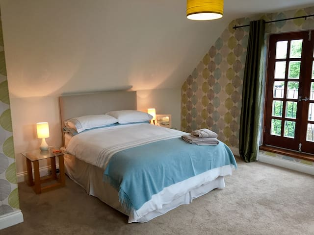 Blorenge Cottage - Spacious Double Room