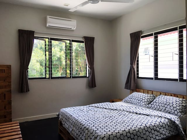 Pallet 3 Rooms - Tanjung Bungah