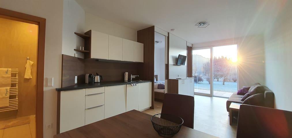 Apartment für 2 - mit Aussicht, Terrasse & Garten