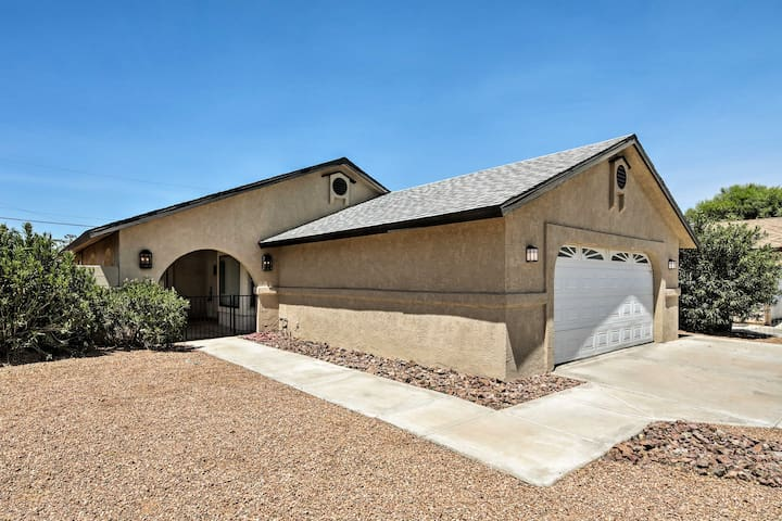 Bullhead City Home w/Patio, 2 Blocks to CO River!