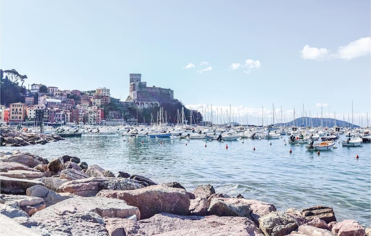 Holiday apartment with 2 bedrooms on 60m² in Lerici SP