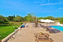 Pool bereich mit Große Terrasse im-web.de/ Mallorcareise SL