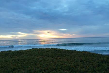 Artful Ocean & Ranch View Condo - San Simeon - コンドミニアム