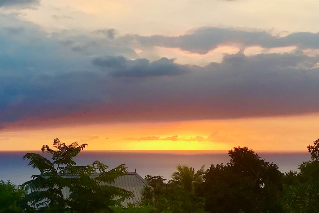 Vue mer avec coucher de soleil