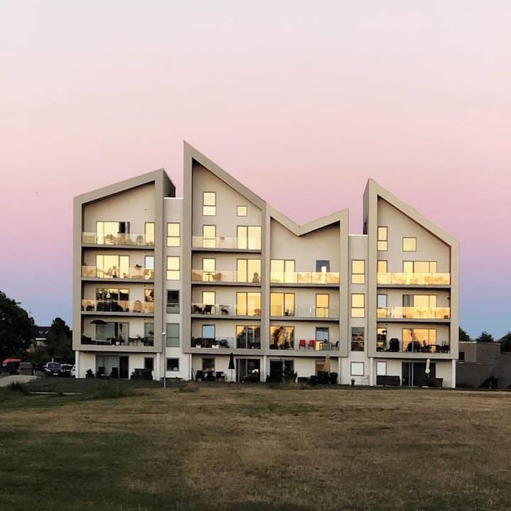 3 værelses lejlighed med sø udsigt og 2 altaner