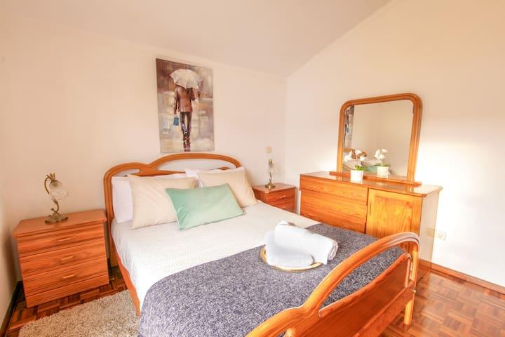 2nd Bedroom - Double with sliding door