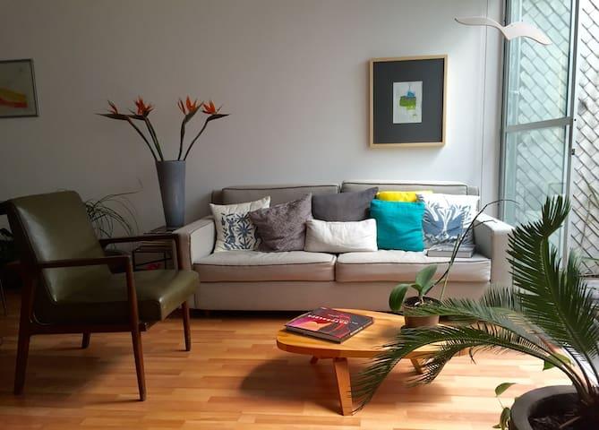 Apartment w/ terrace (2 rooms 3 baths) @ Roma