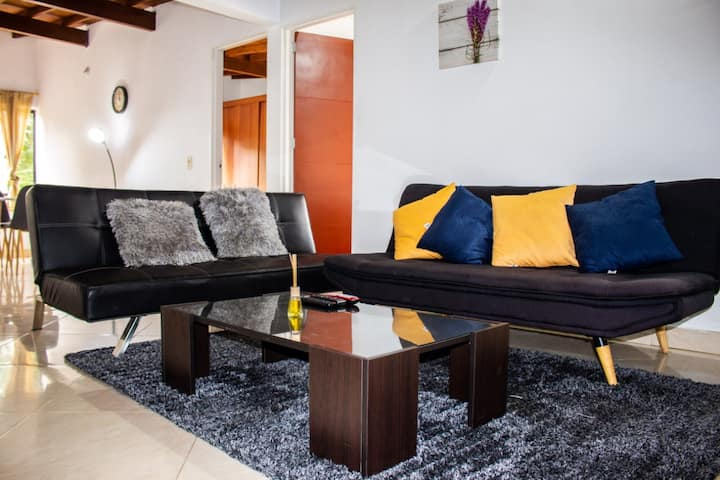 Furnished big apartment Medellín with all you need