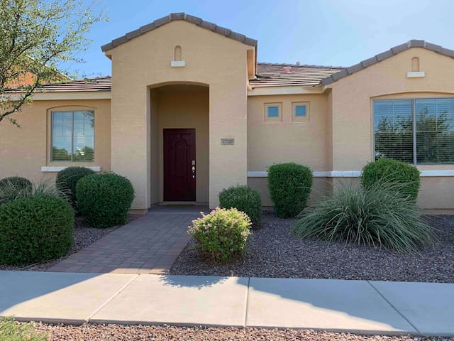 Clean & Convenient Gilbert Home