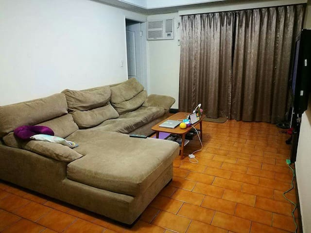 Private room 2 mins walk to MRT - ZhongHe District - Apartment