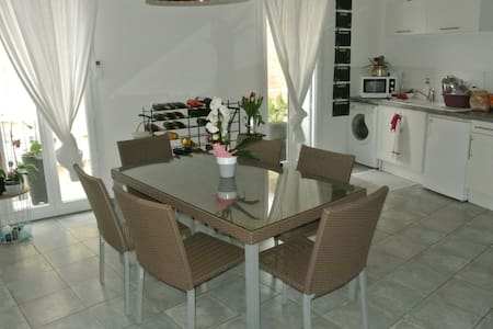 2 pièces cosy au coeur de Marseillan ville - Marseillan - Apartment