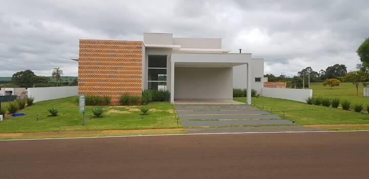 Casa Nova Riviera de Santa Cristina 1. Represa
