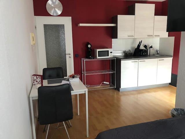 Schöne, renovierte Wohnung am Aachener Europaplatz