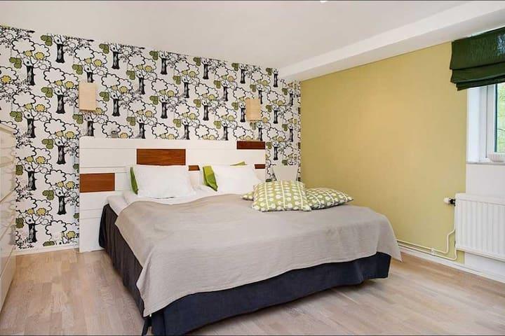 2 bed with garden 11 mins 2 central - Göteborg - Lägenhet