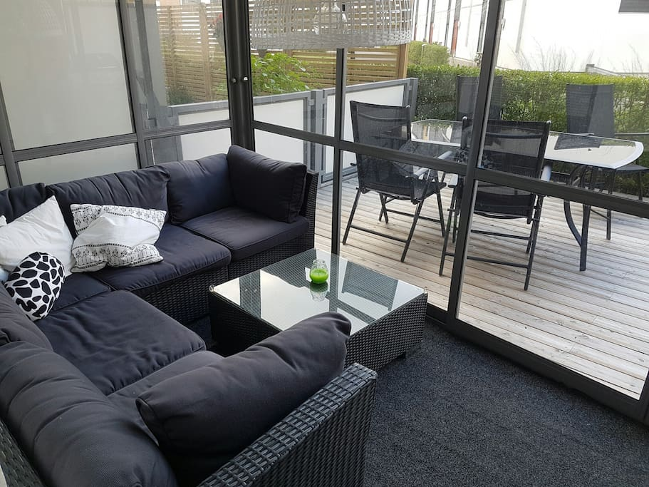 Glazed terrace with speakers and heat