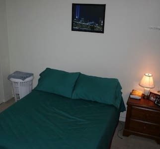A great 1 Bedroom, close to IUP. - Indiana - Apartmen