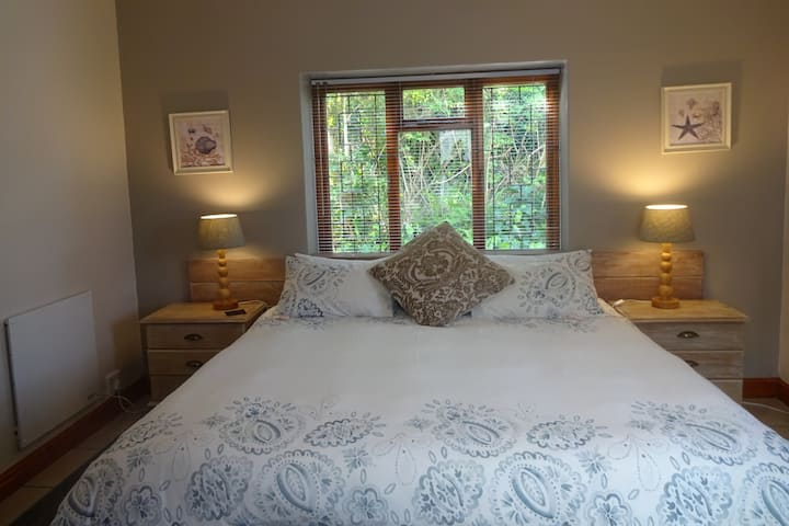 Hillview Self-catering Apartments - Family Unit