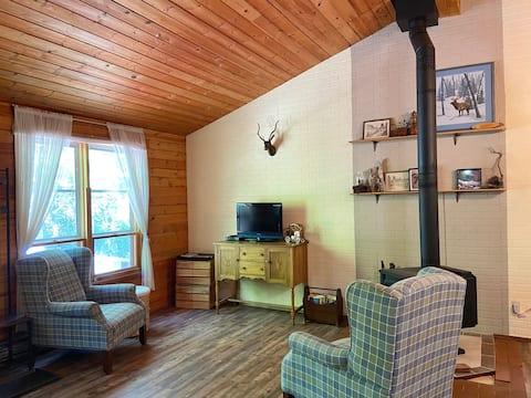 Cozy Private Cottage Getaway in Grand Marais