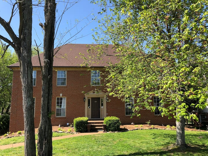 Large and lovely home near downtown Franklin
