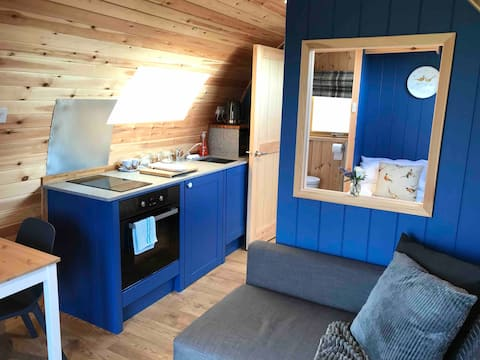 Luxury Countryside Glamping pod- Pheasant Field