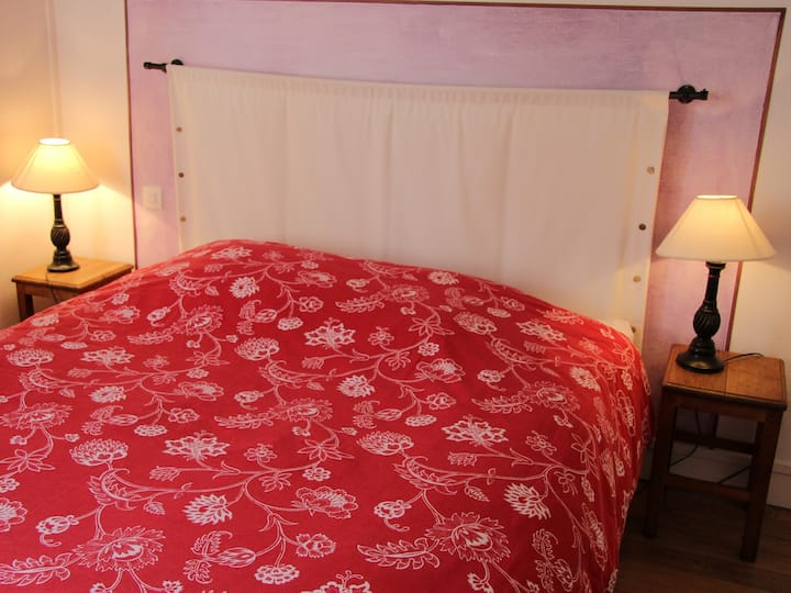 La Tulipe-Double room-Ensuite with Shower-Garden View