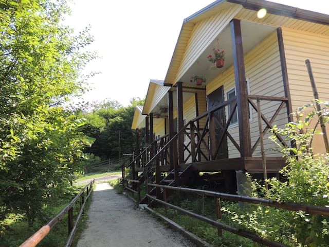 """Летняя Дача"" 1 - Sochi - Natuur/eco-lodge"