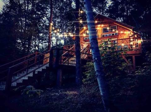 Epic Luxury Treehouse - next to Dog Mountain !