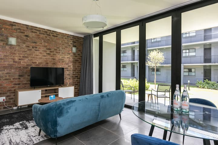 Ulo at Atholl Gate | Stunning 1 BR in Sandton City