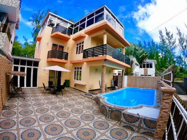 Villa C10
