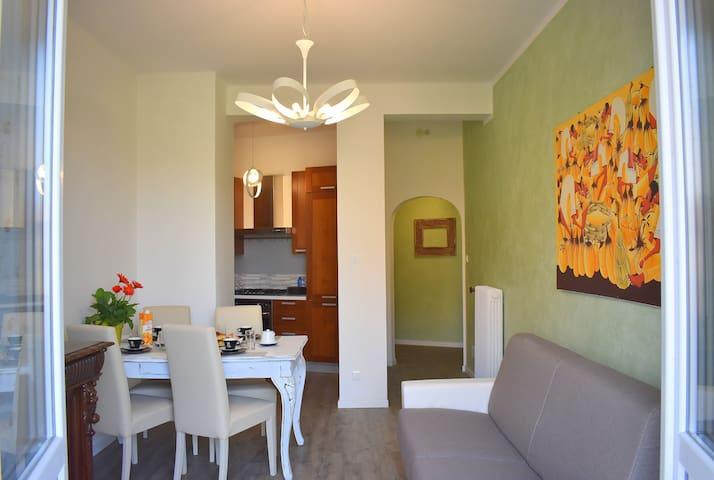 Red & Blu Apartment 5