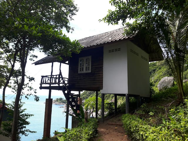 Small Fan Bungalow with Seaview 104