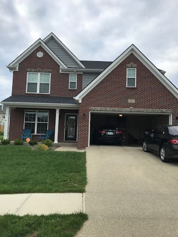 New, Spacious, and Cozy Home! - Louisville - Ev