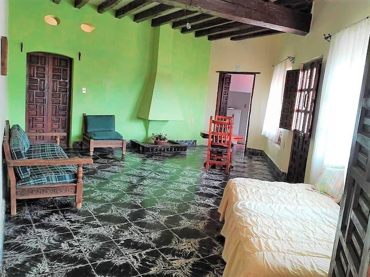 Amplio Departamento Colonial para 4 personas Taxco