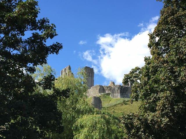 Corfe Castle - Down End B&B - Bedroom 2