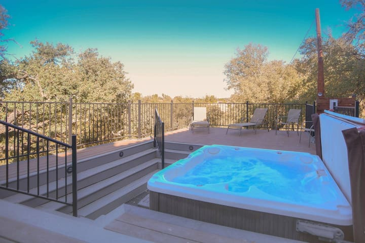 Relax at Spanish Hills in the Private Hot Tub!