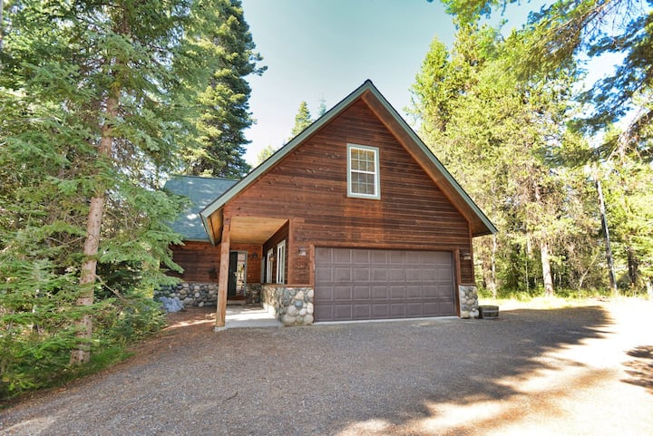 Be at Ease on Boydstun - Nestled in the tall Pines - Pet Friendly