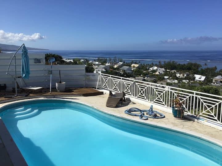 Chambre SDB WC 21 m2 -vue 180° sur lagon- piscine
