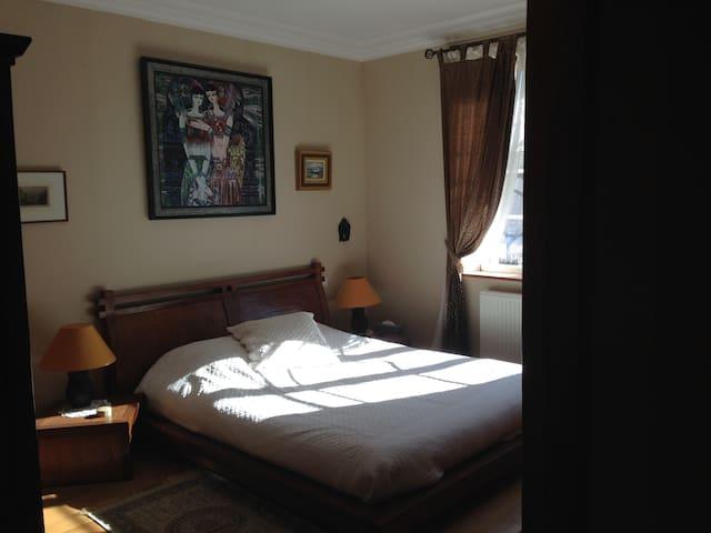 Belle chambre d'hôte lit 160 dans maison campagne
