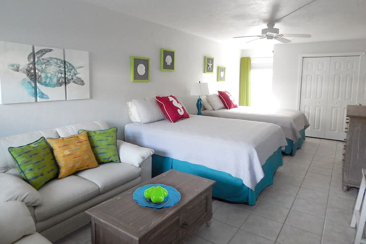 Key Lime Condo - Key Colony Oceanfront - Sleeps 4