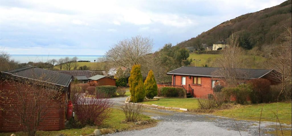 Coastal Cabin for 4, Penbryn - short walk to beach
