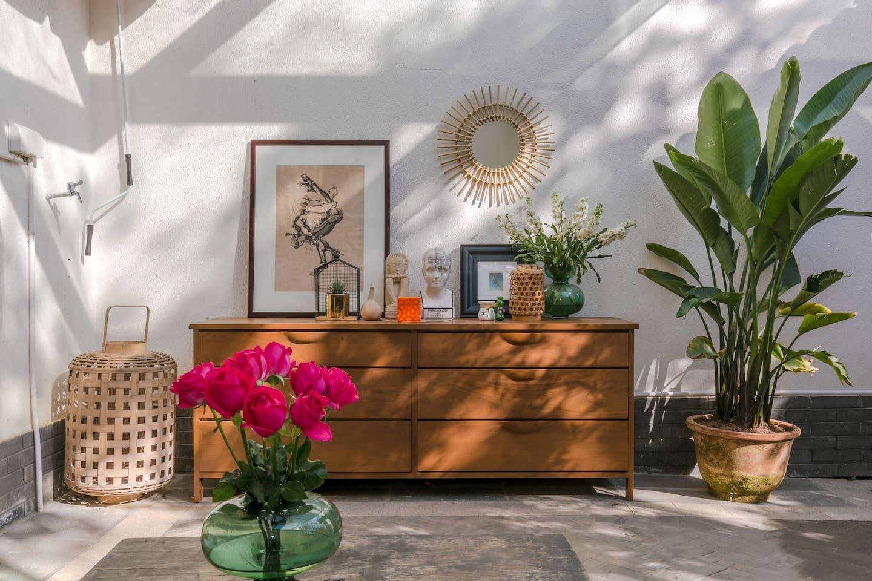 充满摩洛哥风情的花园小院,有阳光、有绿植、有鲜花、有咖啡,待你而来~