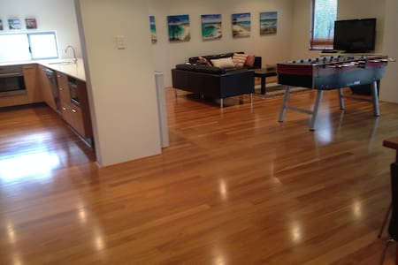 Mod immac home 3X2, 6 ppl,  4 min walk to town/bch - Dunsborough - Haus