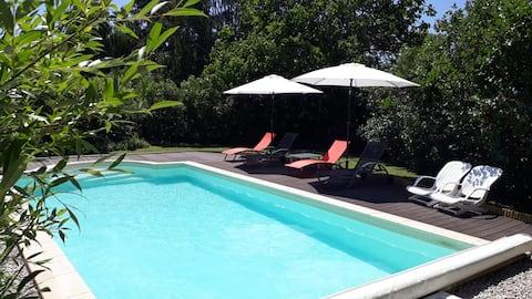 Authentique maison Franc-comtoise avec piscine
