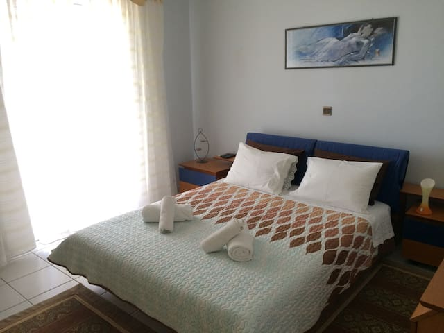 Cozy Double Room (200m to beach) - Rethymno - Casa