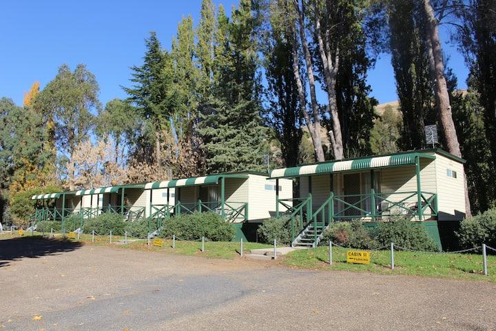 Gundagai Tourist Park- Superior Cabin