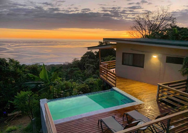 **Mountaintop Villa • Infinity Pool • EPIC view**