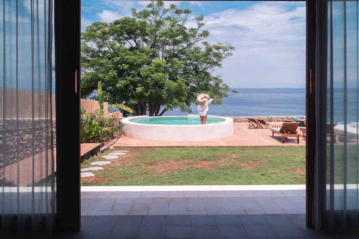 NUSA PENIDA MODERN 1 BEDROOM VILLA, PRIVATE POOL